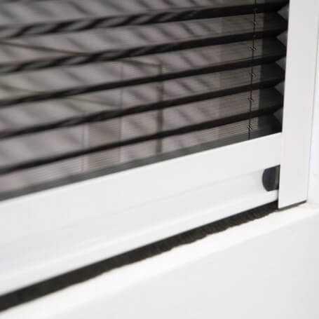Mosquitera plisada vertical para ventanas