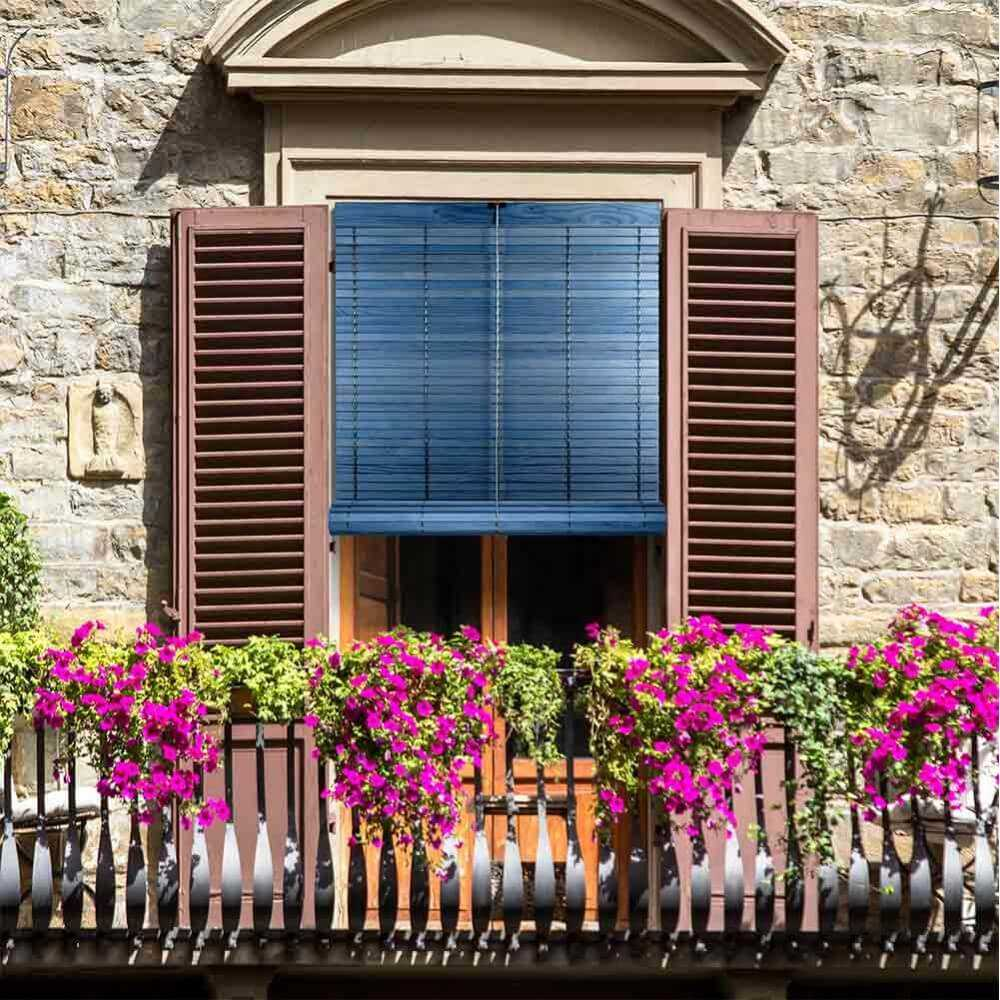 Persiana enrollable de madera para exterior alicantina for Persianas de color de moda