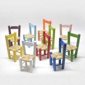 Minisillas-madera-chopo-asiento-anea-conjunto-miniaturas-sillas-1